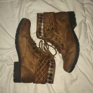 Brown combat boots (size 7.5)
